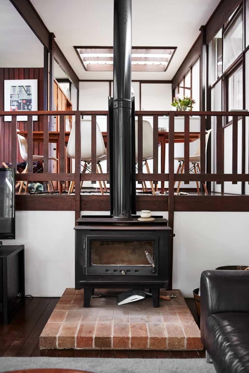 house-perv-fireplace-dining-split-level