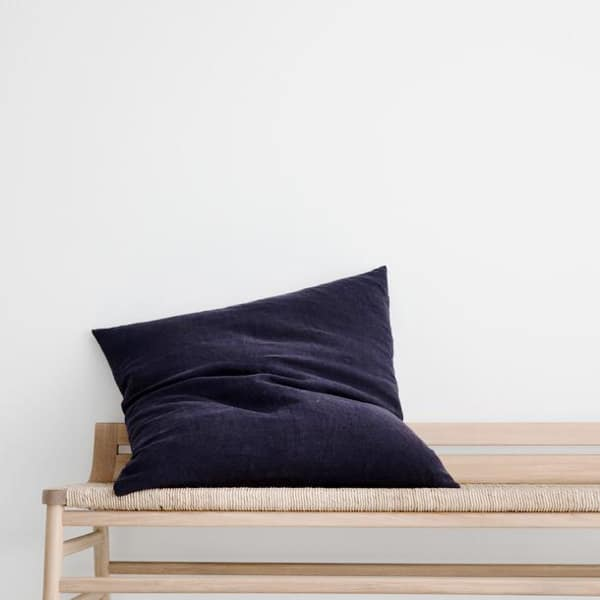 navy-heavyweight-linen-cushion